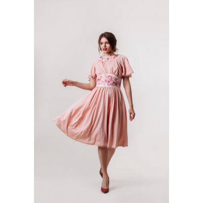 Платье вышиванка Вероника персиковое короткое В