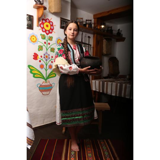 Карнавальный котюм Украинка с платочком